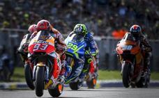 Márquez aprovecha la debacle de Dovizioso y da el golpe en Australia