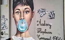 Cuando Audrey explotó el globo