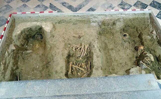 El hallazgo de restos humanos confirma el uso funerario de Santa Ana