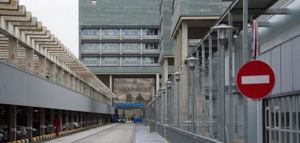 La Plataforma por la Sanidad Pública denuncia la externalización de 277 operaciones del HUBU