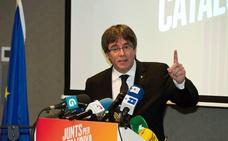 Puigdemont dice que los catalanes deberían votar si quieren seguir en la UE