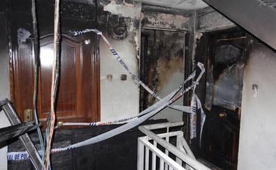 Desalojan a ocho familias al arder una vivienda en La Rondilla