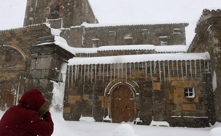 Las estampas que ha dejado la nieve en la comunidad