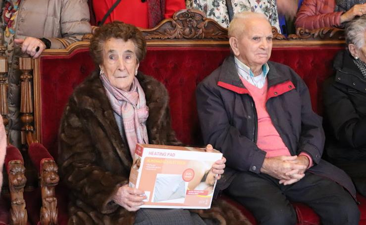 Acto en homenaje a los 88 centenarios de Burgos