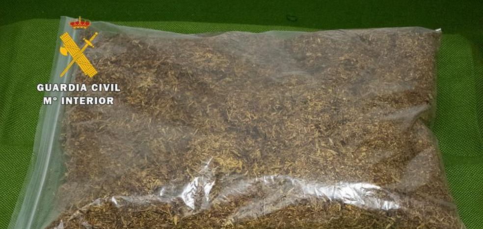 La Guardia Civil aprehende 1 kilogramo de tabaco en picadura de procedencia ilegal