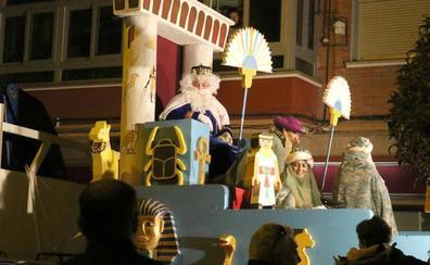 La Cabalgata sin Camellos vuelve a recorrer las calles del barrio de Pajarillos