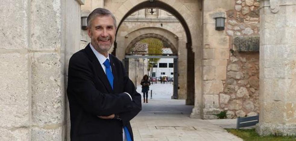 El rector apuesta por un pacto de Estado frente a los «grandes problemas» de la universidad