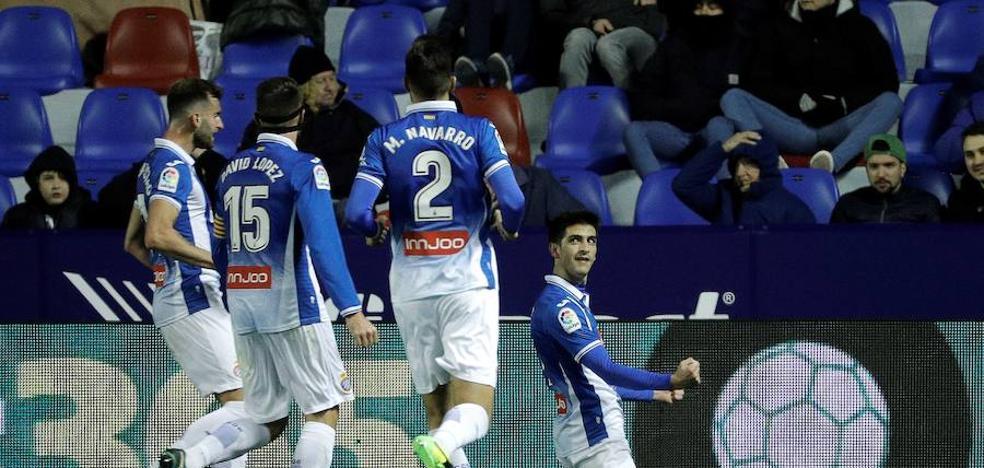 El Espanyol remonta ante un inoperante Levante y alcanza los cuartos