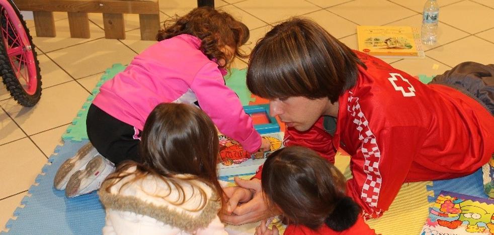 Cruz Roja entrega más de 390 juguetes a niños de la provincia