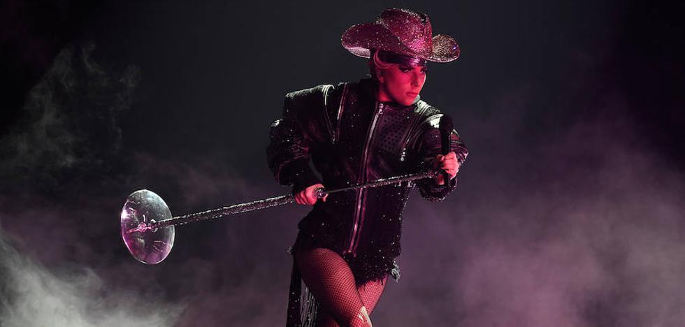Lady Gaga pisa con fuerza en Barcelona, primer concierto europeo de la gira
