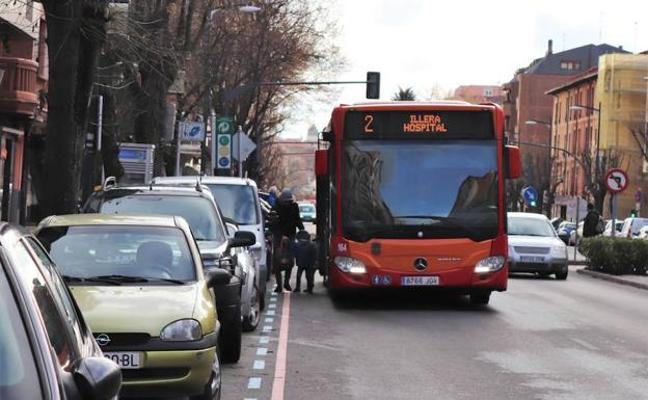 Berzosa condiciona adaptar las paradas de bus a una modificación presupuestaria