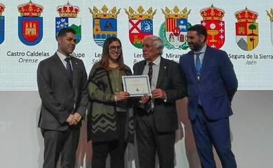 Lerma recibe en Fitur el sello que le acredita como uno de los Pueblos Más Bonitos de España