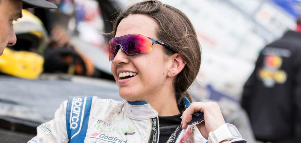 Cristina Gutiérrez sigue haciendo historia, completando su segundo Dakar