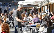 La mitad del empleo generado por el turismo dura menos de dos semanas