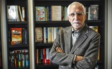 «Soy tan ambicioso en la literatura que escribo para la posteridad»