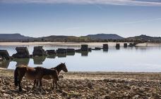 Las Cortes instan al Gobierno a reconstruir el Puente Noguerol