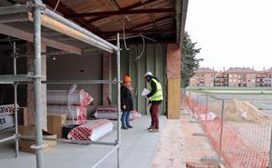 Los grupos garantizan los 100.000 euros de ayuda al centro multiservicio de Párkinson