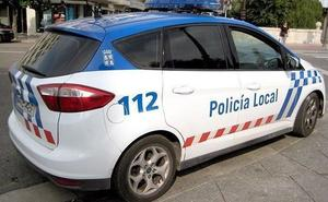 Una mujer es detenida tras amenazar a un inspector y una trabajadora con una cuchilla de afeitar