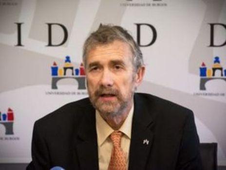 El rector de la UBU aplaude la defensa de Rey para implantar una EBAU única estatal simultánea