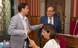 El PSOE recuerda que sus «exigencias» permitirán ampliar la plantilla del Ayuntamiento