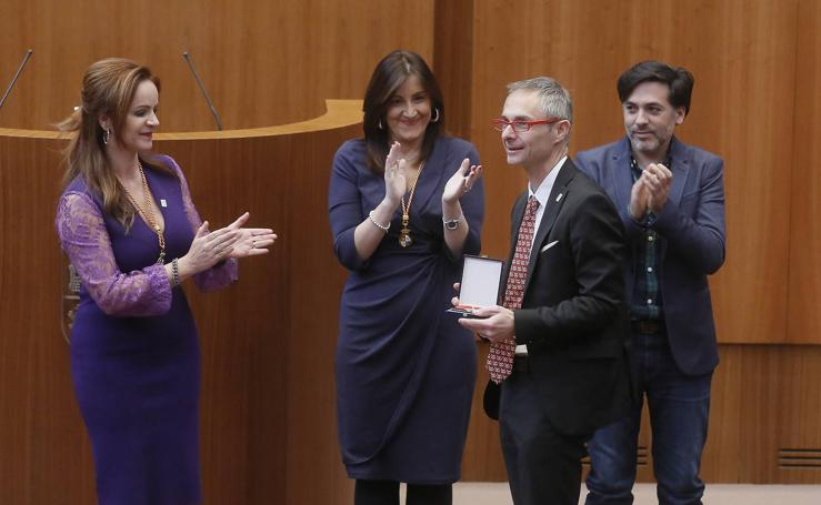 Las Cortes de Castilla y León entregan su medalla a la Universidad de Salamanca