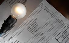 El recibo de la luz sube ligeramente en febrero pero acumula un descenso del 7,8% en lo que va de año