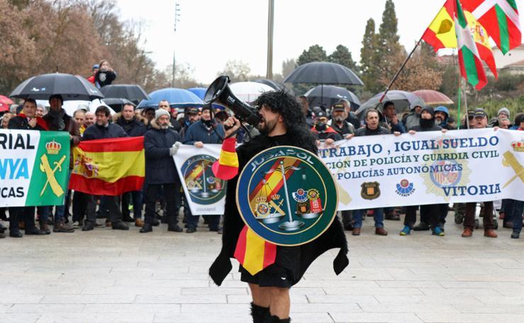 Policías nacionales y guiardias civiles se manifiestan en Burgos