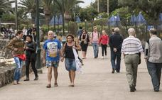 España recibe un 5,2% más de turistas en enero, con un gasto de 4.501 millones, un 5,6% más