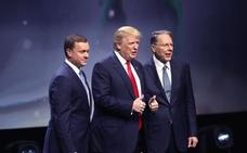 El director de la NRA rechaza restringir el uso de armas tras reunirse con Trump y Pence