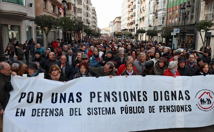 Más de 4.000 burgaleses se manifiestan por unas pensiones dignas