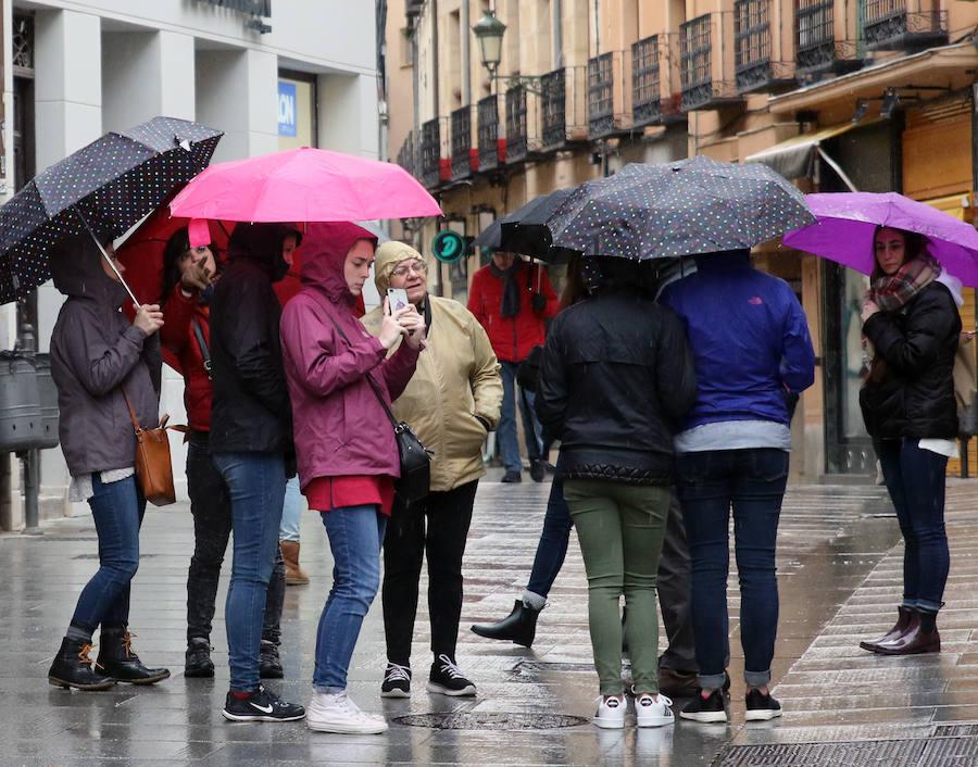 Jornada de frío y lluvia en Segovia