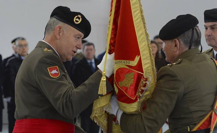 El general Ruiz Olmos toma el mando de la División 'San marcial'