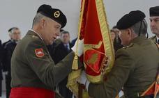 El general Ruiz Olmos asume el mando de la División 'San Marcial'