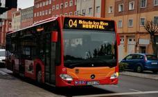 Los autobuses urbanos ya reflejan los nuevos nombres de las calles que incumplían la Memoria Histórica