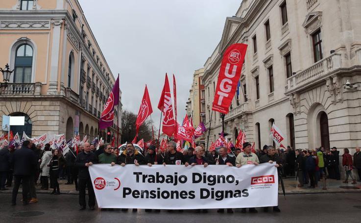 Los burgaleses han vuelto a salir a la calle para exigir pensiones y trabajo dignos