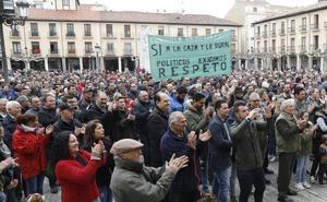Medio millar de cazadores exigen respeto a los animalistas en una concentración en Palencia