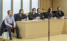 El abogado niega «ánimo de matar» y alega que el acusado de asesinar a Benita Núñez «solo se defendió»