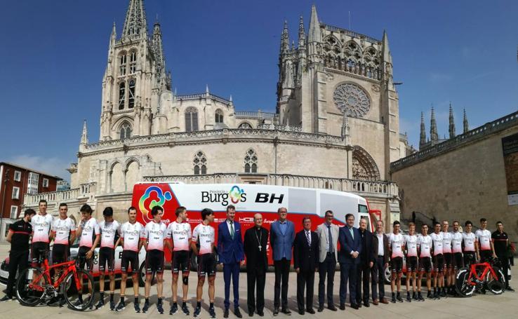 Firma del convenio entre el Burgos BH y la Fundación VIII Centenario de la Catedral