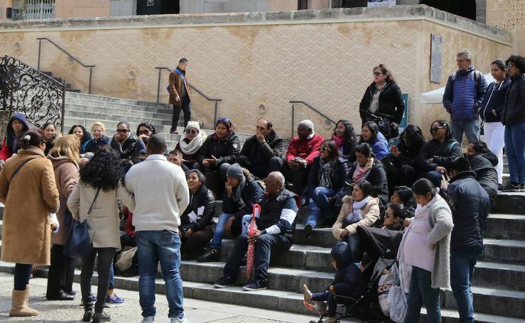 Los turistas invaden Segovia