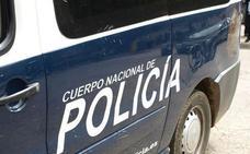 Detenido un hombre en Aranda por retocer un brazo a su expareja en la vía pública