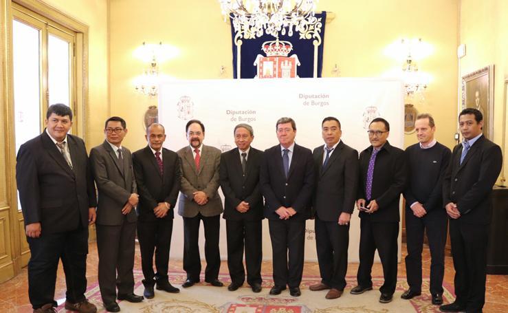 Visita de la delegación de Java Oriental a Burgos en imágenes