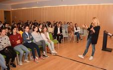 María Helena Antolín fomenta la participación de más mujeres en el ámbito STEM