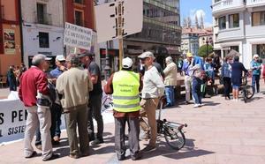 Decenas de pensionistas vuelven a reivindicar una «pensión digna»