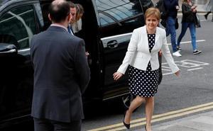 Londres responde a Sturgeon: «No es momento de otro referéndum en Escocia»