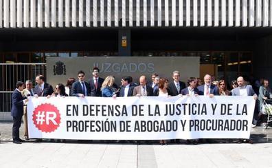 Los procuradores y abogados de Burgos respaldan a los jueces y fiscales en sus reivindicaciones