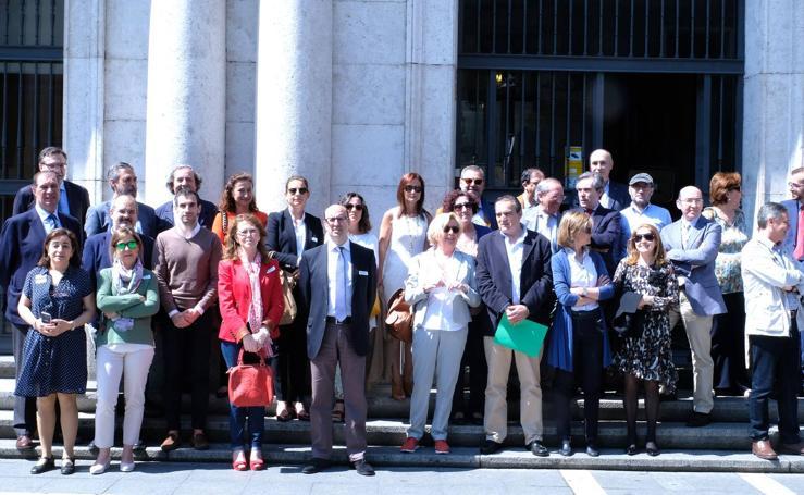 Concentración de jueces y fiscales ante la Audiencia de Valladolid