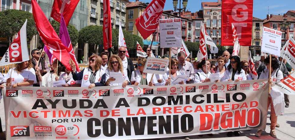 Las trabajadoras del Servicio de Ayuda a Domicilio reclaman un convenio colectivo «digno»