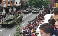 Logroño vibra con el desfile de las Fuerzas Armadas