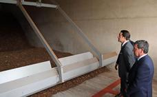 La central de biomasa permite a Diputación ahorrar un 3% en la factura energética del Complejo de Fuentes Blancas