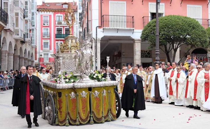 En imágenes la procesión del Corpus Christi